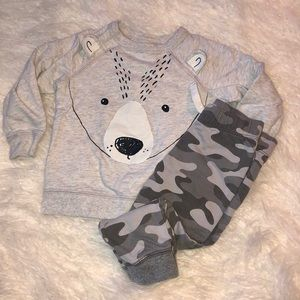 Carter's Matching Sets - Carter's 2 piece outfit. Size 2T